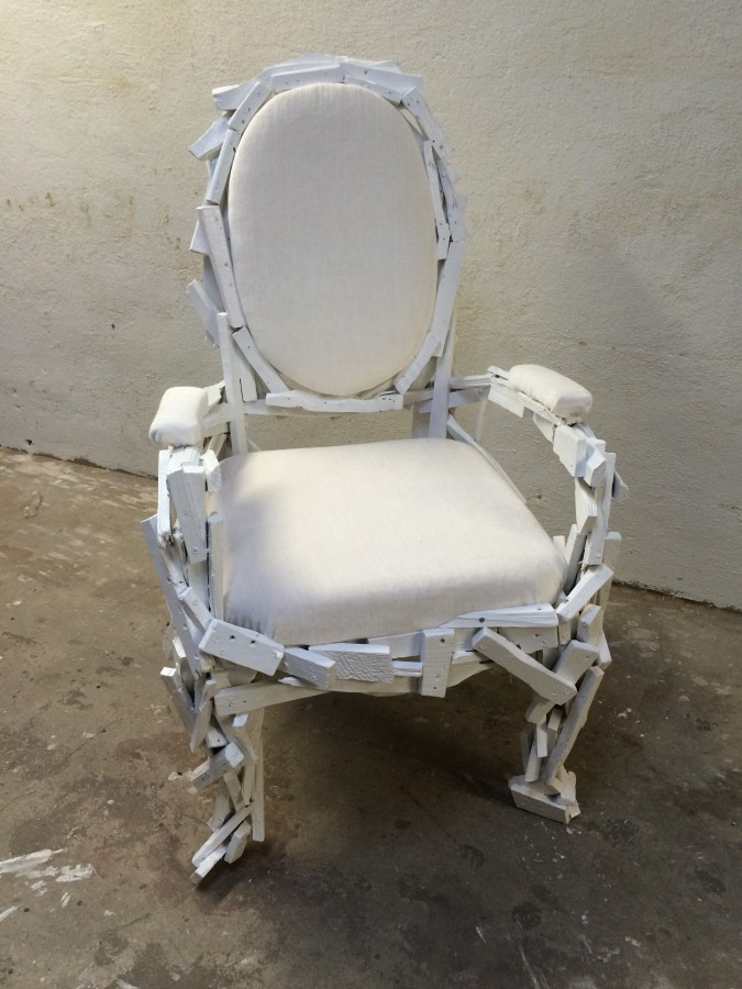 Trash chair