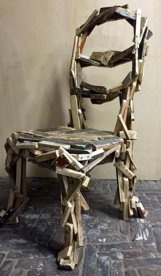 plain trash chair